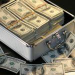 妻(夫)の名義の預金・へそくりにも相続税が! 専業主婦(専業主夫)の名義預金とは?